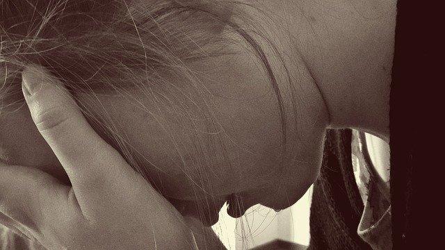 קולגן לשיער: איך לחץ פוגע בבריאות שלנו וכיצד מתמודדים אתו?